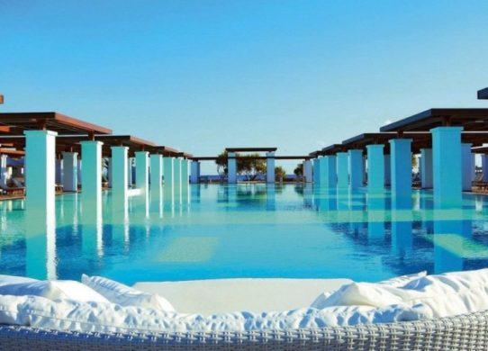 Фото бассейна на Крите