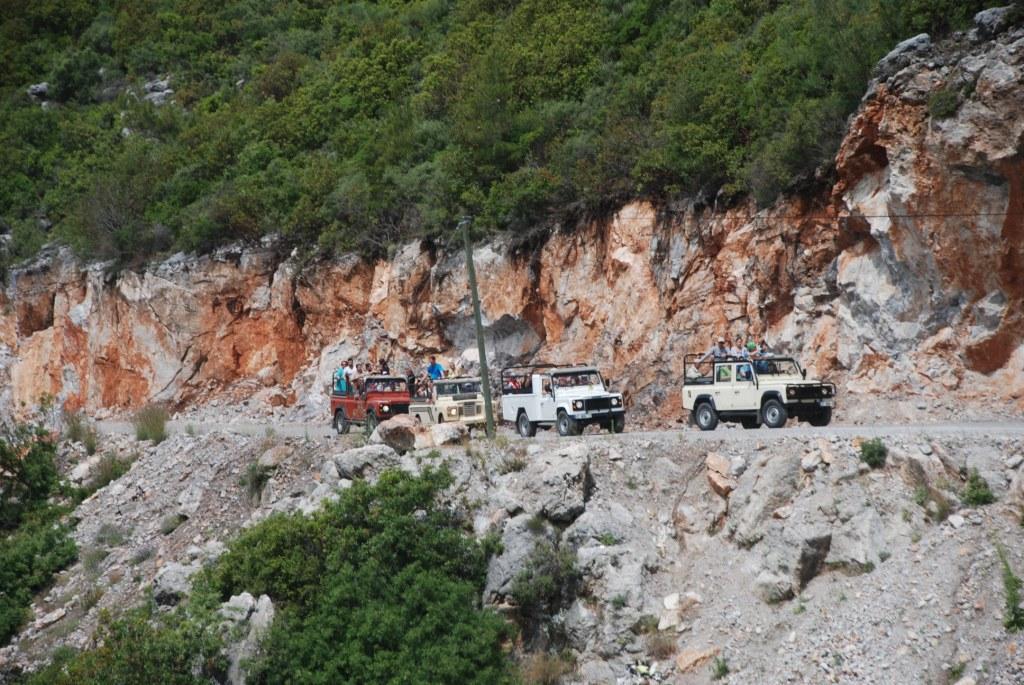 Джип сафари вид с гор