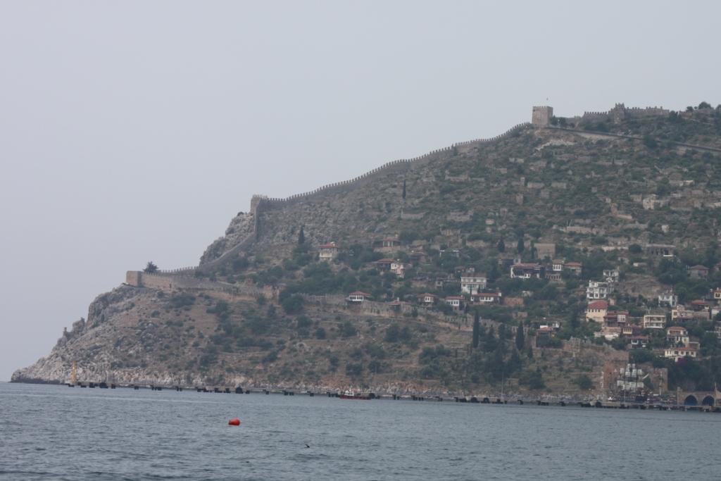 Крепость на скале