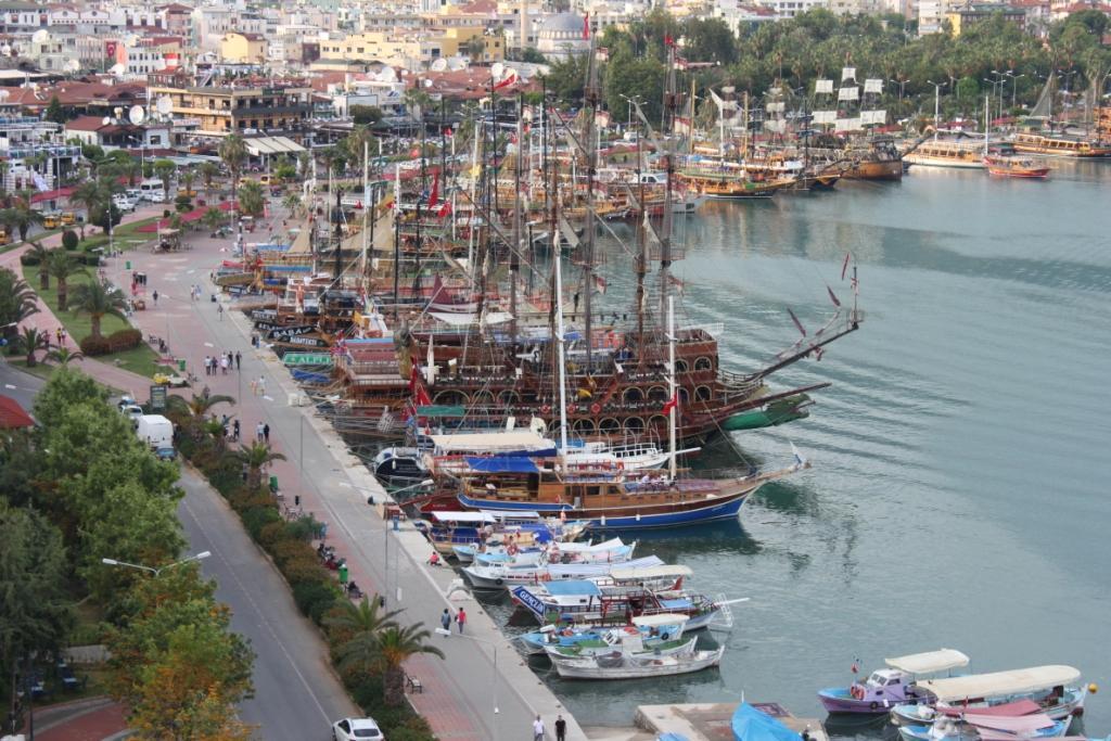 Кызыл куле вид на порт