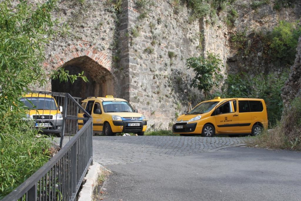 Такси в Аланье